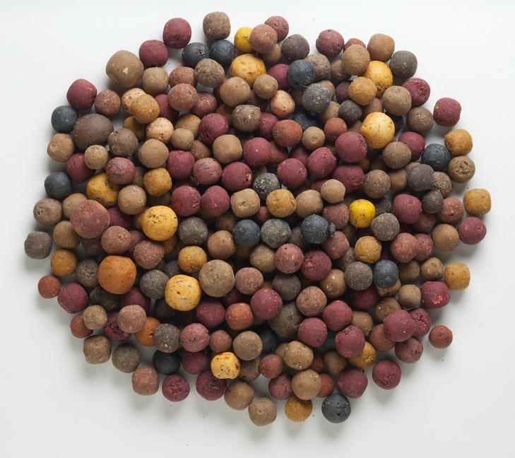 Vnadící boilies Mivardi Rapid Multi mix 2,5 kg